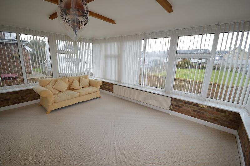 Conservatory Bungalow to rent in Bracklesham Bay