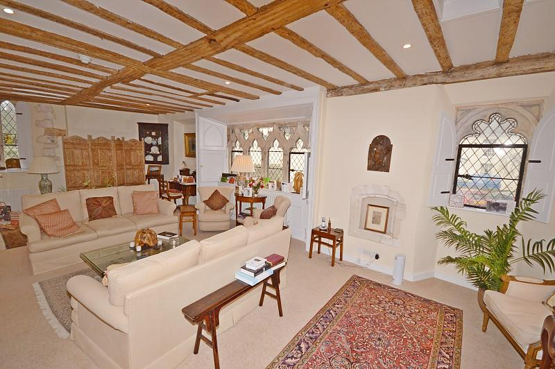 Drawing room Apartment to rent in Chichester