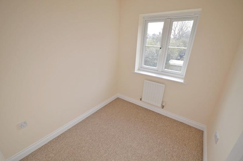 Bedroom 3 House to rent in Chichester