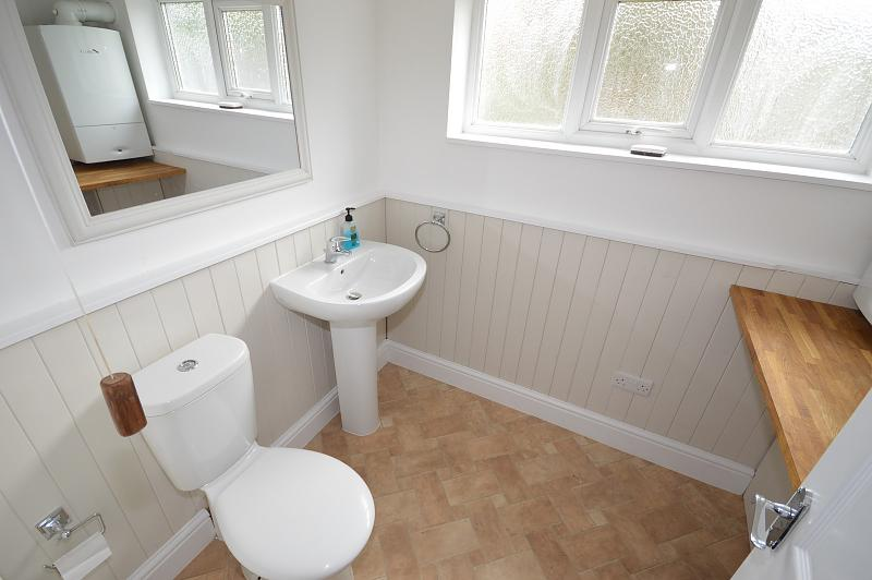 Utility / Cloakroom House to rent in Chichester