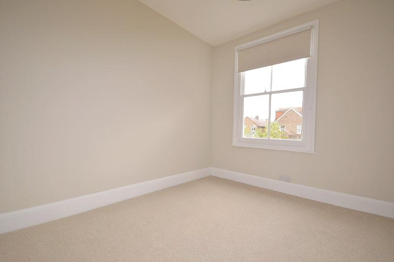 First floor rear bedroom House to rent in Chichester