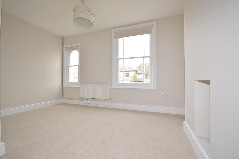 Master bedroom House to rent in Chichester