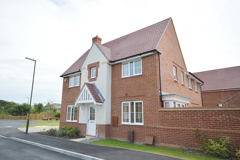 Front House to rent in West Wittering (Main)