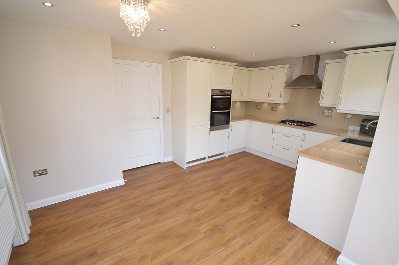 Open plan House to rent in West Wittering