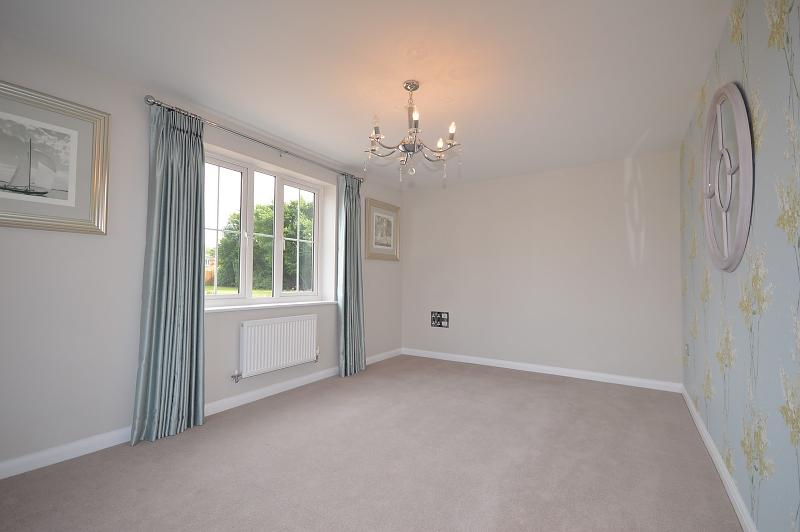 Living room House to rent in West Wittering