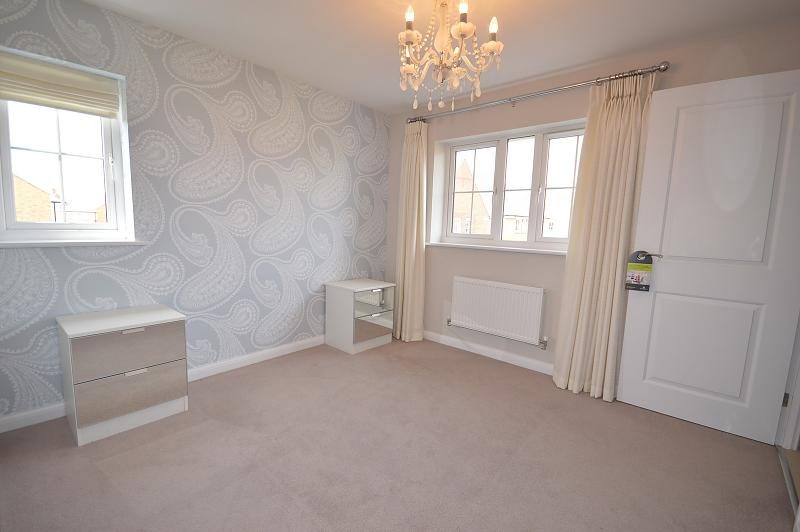 Master Bedroom House to rent in West Wittering