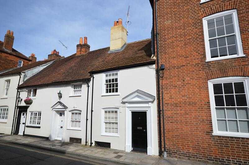 Front House to rent in Chichester (Main)
