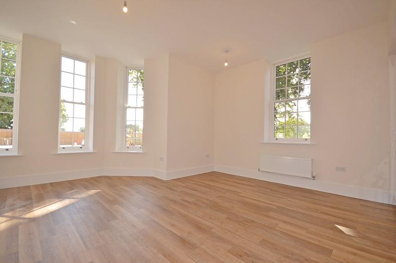 Open plan living Apartment to rent in Chichester