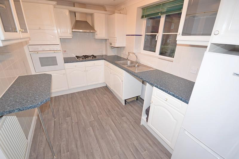 Kitchen Apartment to rent in Bosham