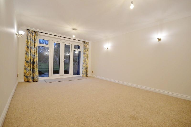 Living room Apartment to rent in Bosham