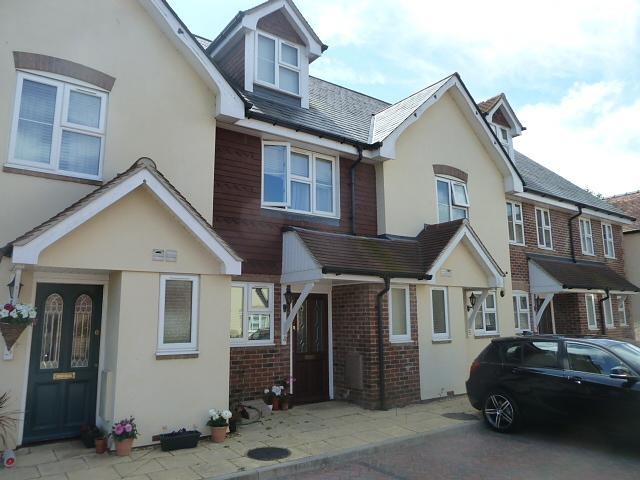 Front Property to Let in Liss  (Main)