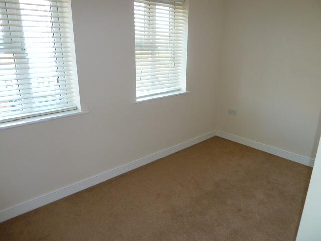 Bedroom 3 Property to Let in Liss