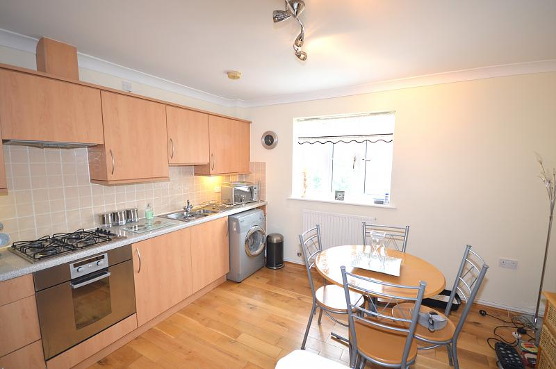 Flat to rent in Bracklesham Bay - Kitchen