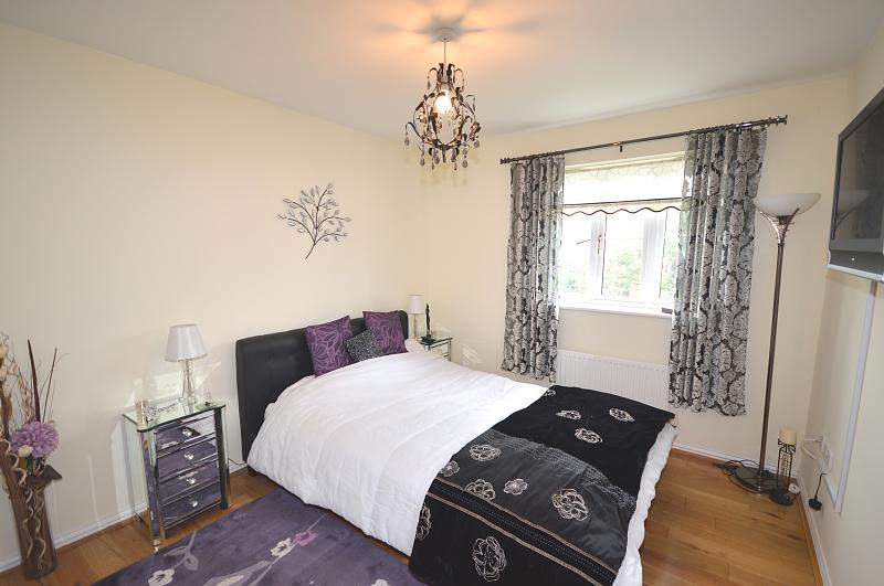 Flat to rent in Bracklesham Bay - Bedroom 1