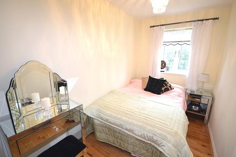 Flat to rent in Bracklesham Bay - Bedroom 2