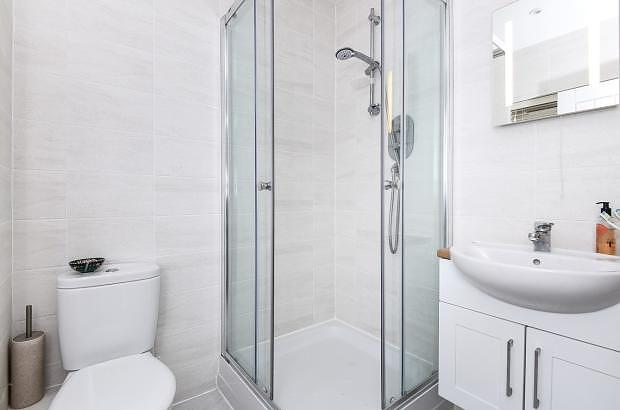 En-suite House to rent in Chichester