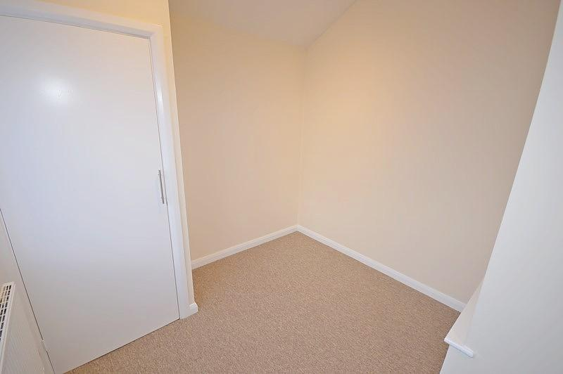 Bedroom Apartment to rent in Chichester