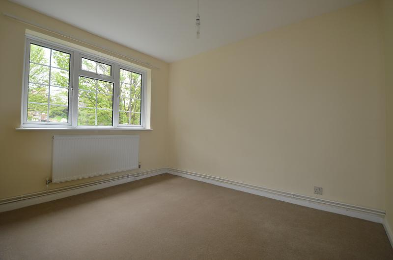 Bedroom two property to let in Haslemere