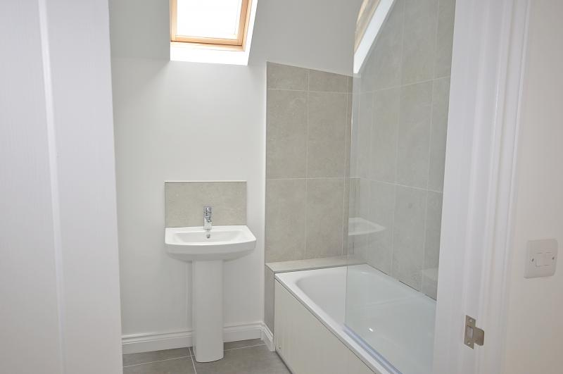 Bathroom Home Farm Apartment to rent in Selsey