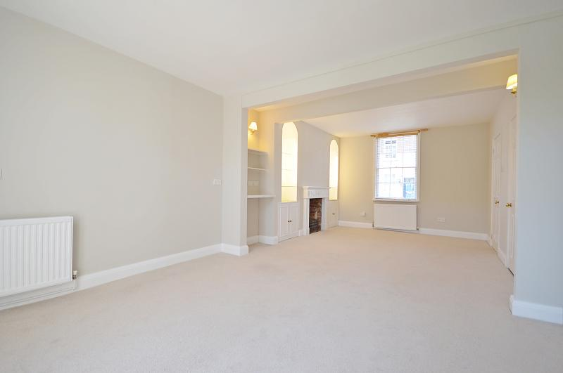 Living/Dining room of property to rent in Chichester
