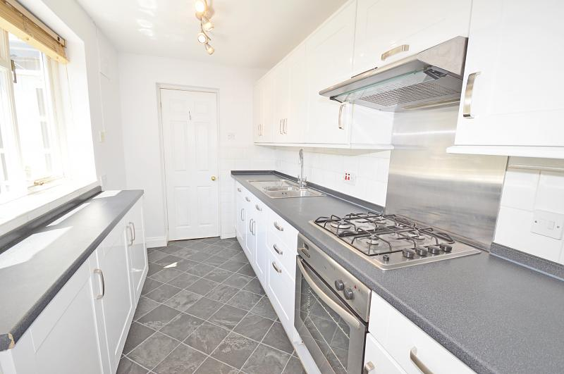Kitchen of property to rent in Chichester