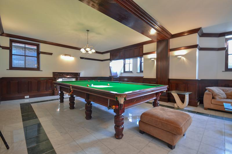 Snooker/Games Room