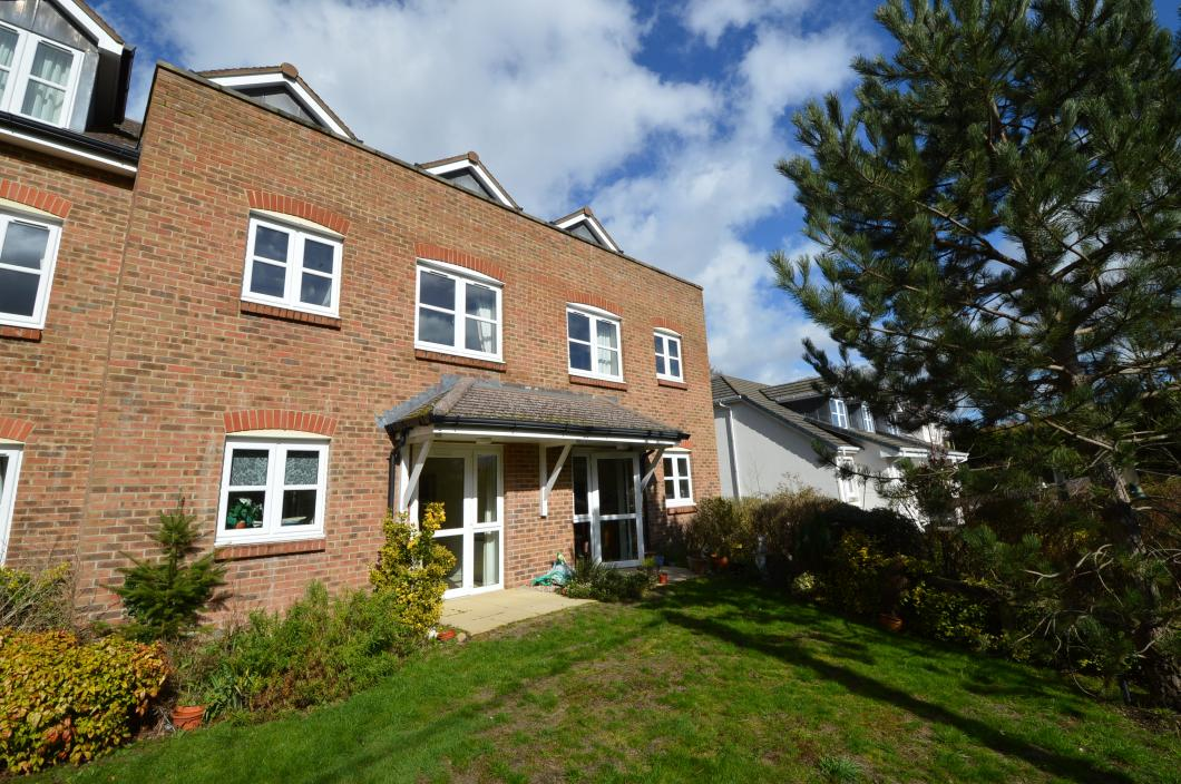 Front Property to Let in Liphook (Main)