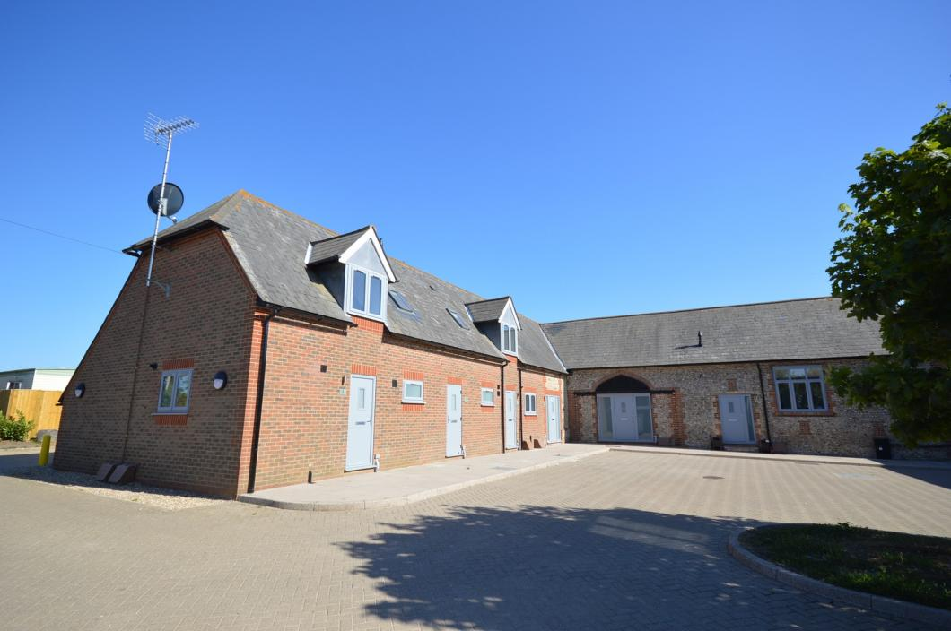 Front Apartment to rent in Selsey (Main)
