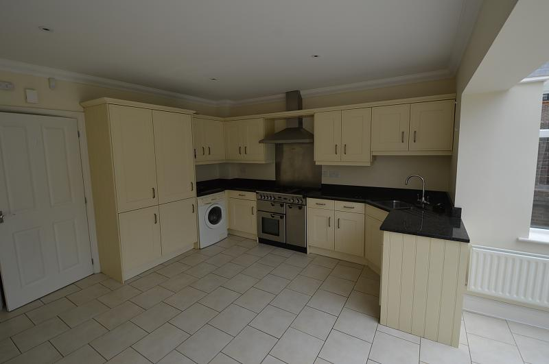 Kitchen 2 Property to let in Petersfield