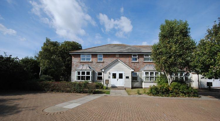 Apartment to rent in Chichester (Main)