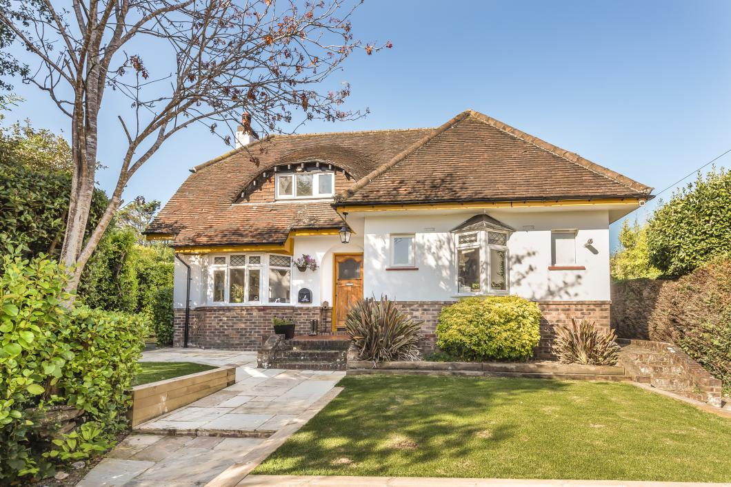 Detached house to rent in Middlton-On-Sea (Main)