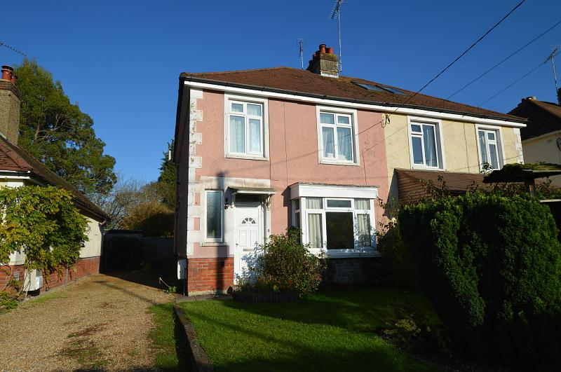 Front Property to let in Buriton (Main)