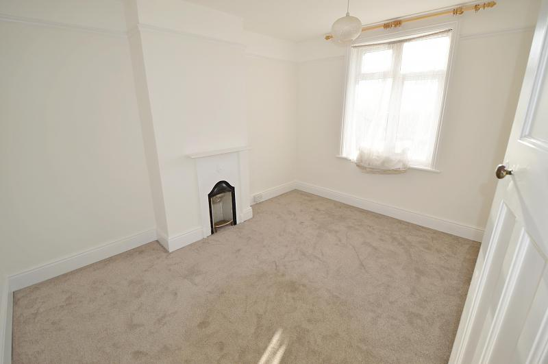 Bedroom 1 Property to let in Buriton