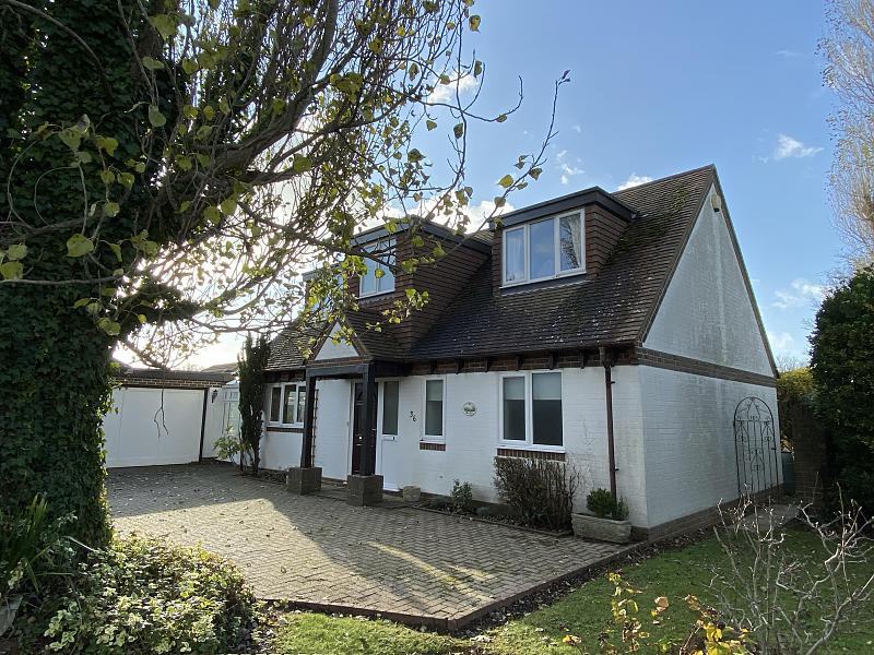 Three bedroom chalet bungalow to let Aldwick (Main)