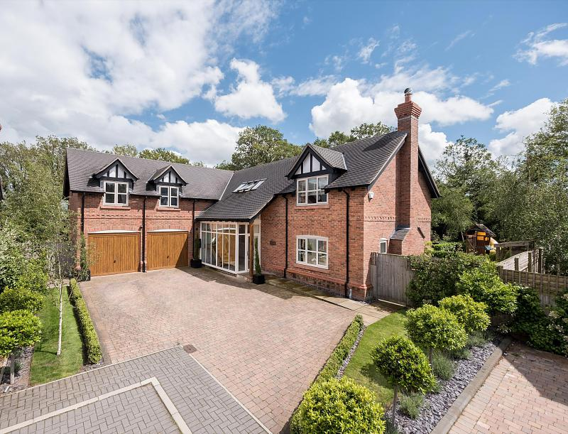 5 bedroom  Detached House for Sale in Little Budworth