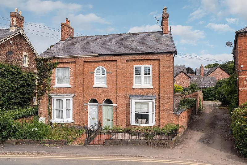 4 bedroom  Semi Detached House for Sale in Tarporley