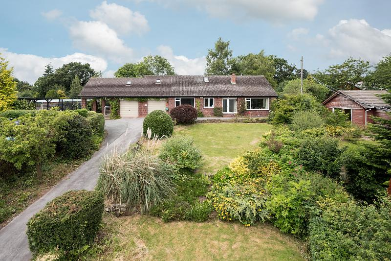 4 bedroom  Detached Bungalow for Sale in Tiverton
