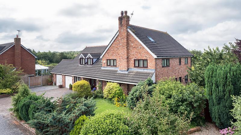 4 bedroom  Detached House for Sale in Calveley