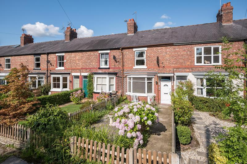 2 bedroom  Terraced House for Sale in Plumbley