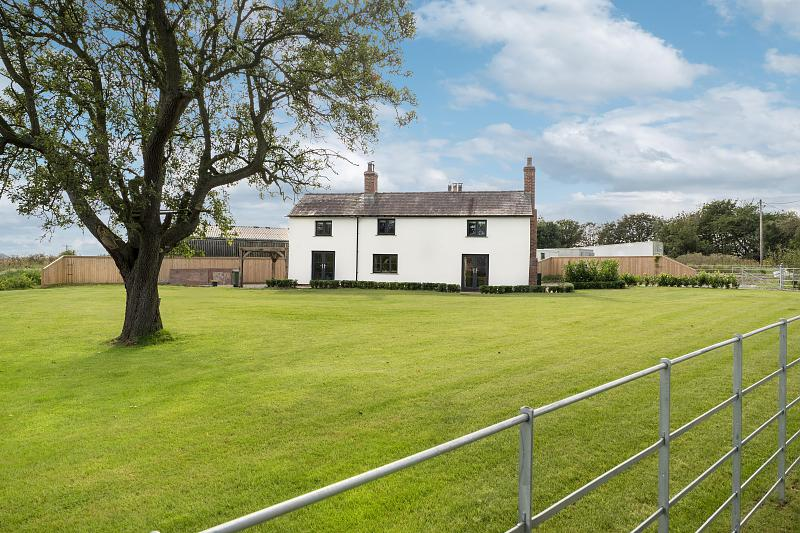 4 bedroom  Detached House for Sale in Tarporley