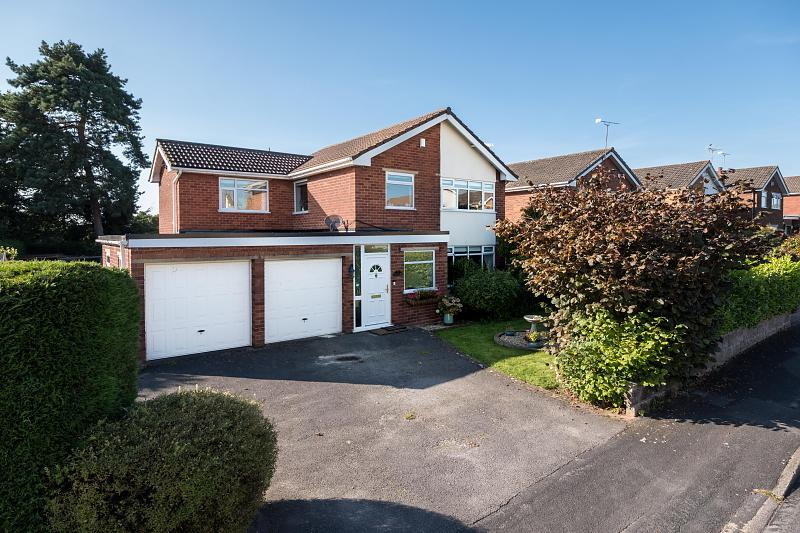 4 bedroom  Detached House for Sale in Tarvin