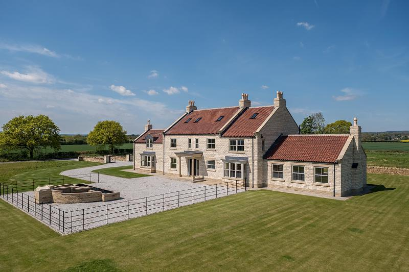 6 bedroom  House for Sale in Wombleton