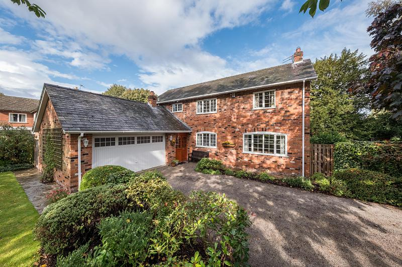4 bedroom  Detached House for Sale in Delamere Park