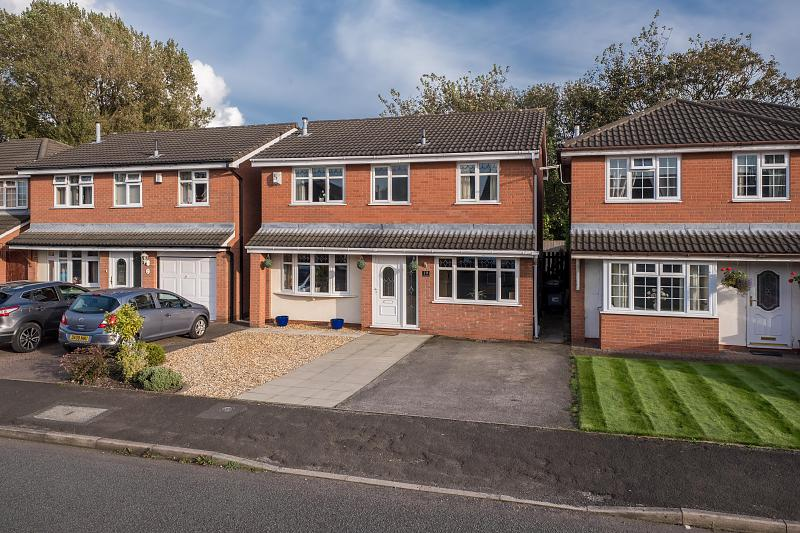4 bedroom  Detached House for Sale in Northwich