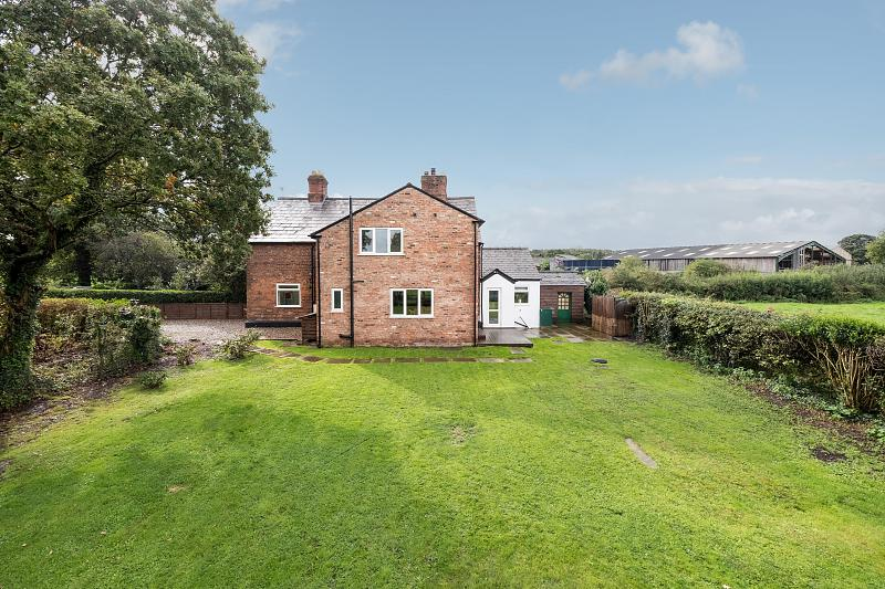 3 bedroom  Semi Detached House for Sale in Crowton