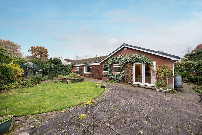 4 bedroom  Detached Bungalow for Sale in Cuddington