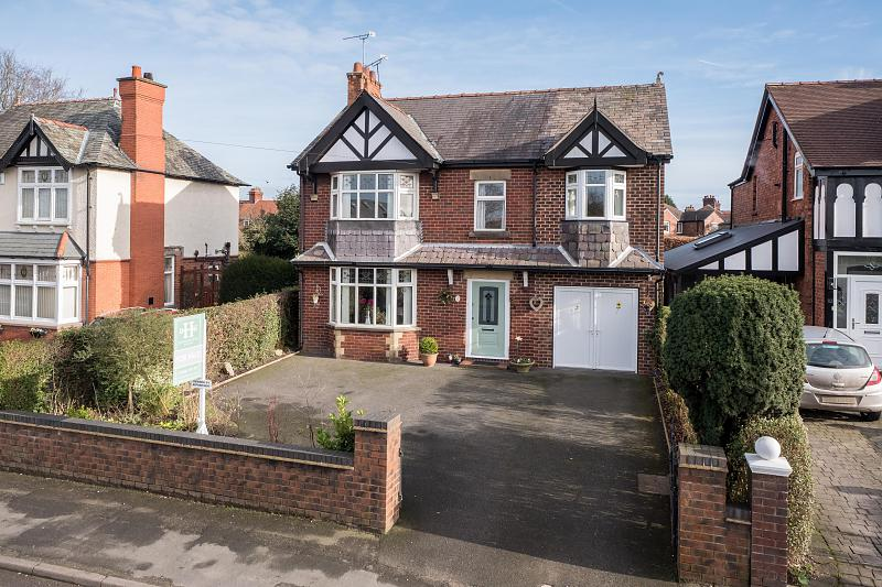 4 bedroom  Detached House for Sale in Middlewich