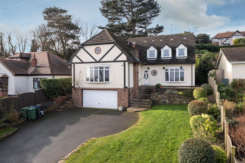 4 bedroom  Detached House for Sale in Marford
