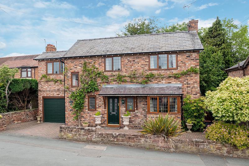 3 bedroom  Detached House for Sale in Tarporley