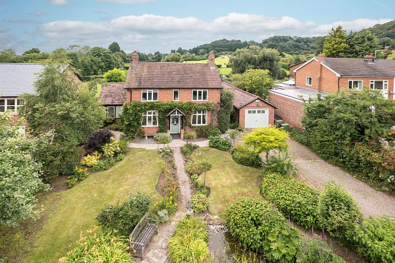 4 bedroom  Detached House for Sale in Willington